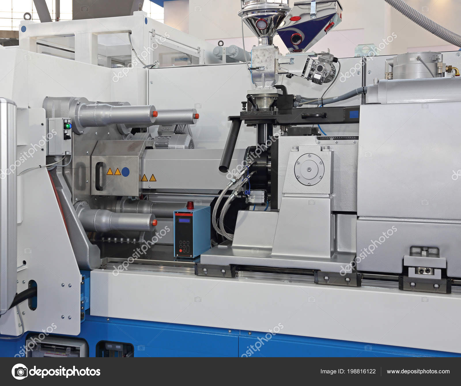 Injection Molding Machine Plastic Parts Production — Stock Photo