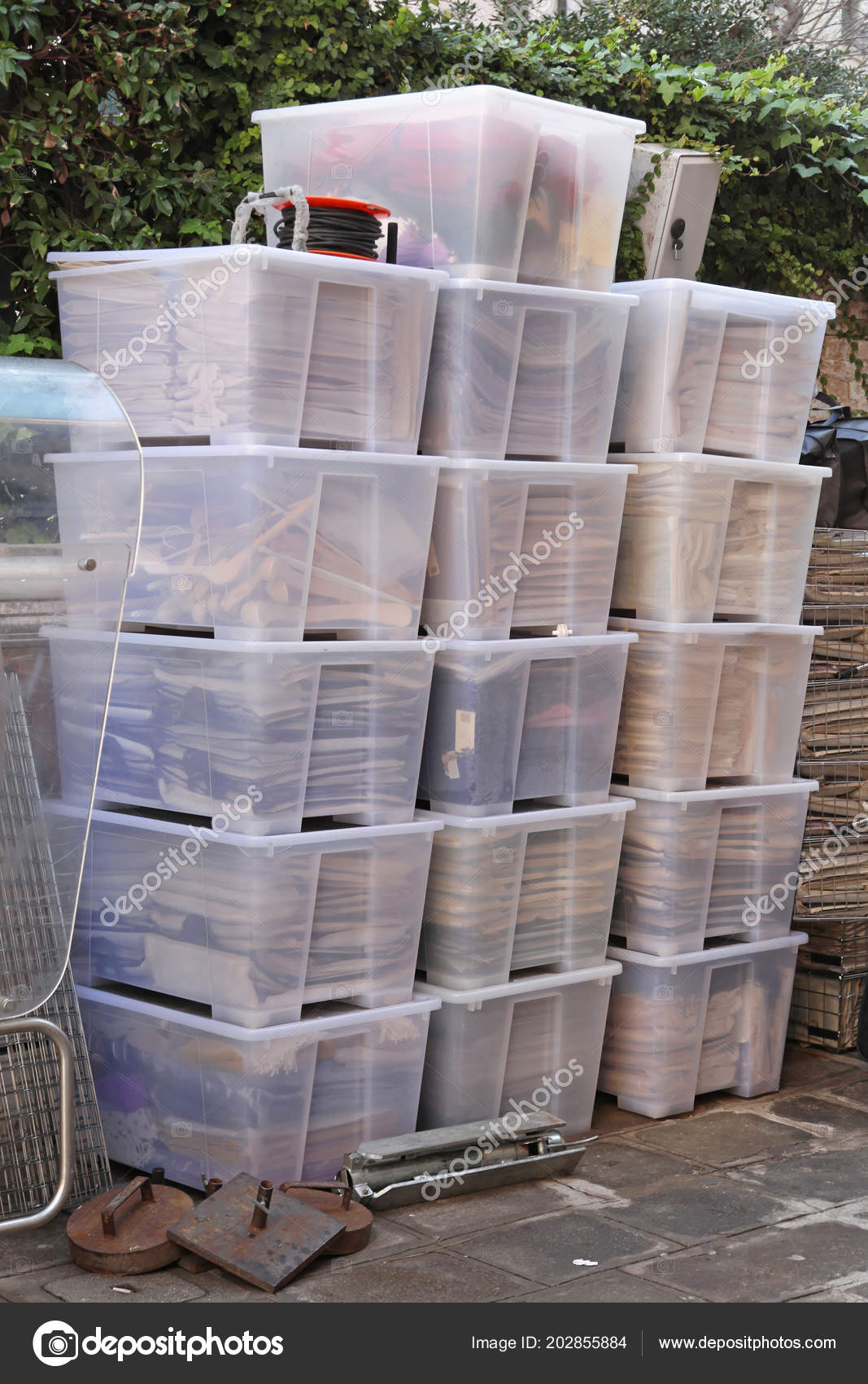 Big Plastic Tubs Boxes Ready Delivery — Stock Photo © Baloncici ...