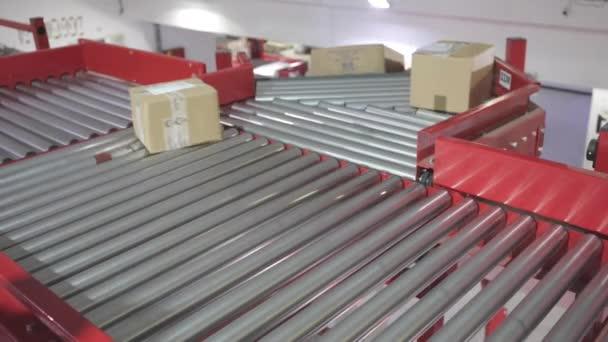 Szállitószalag rendezés szállítás szállítás az elosztási raktárban