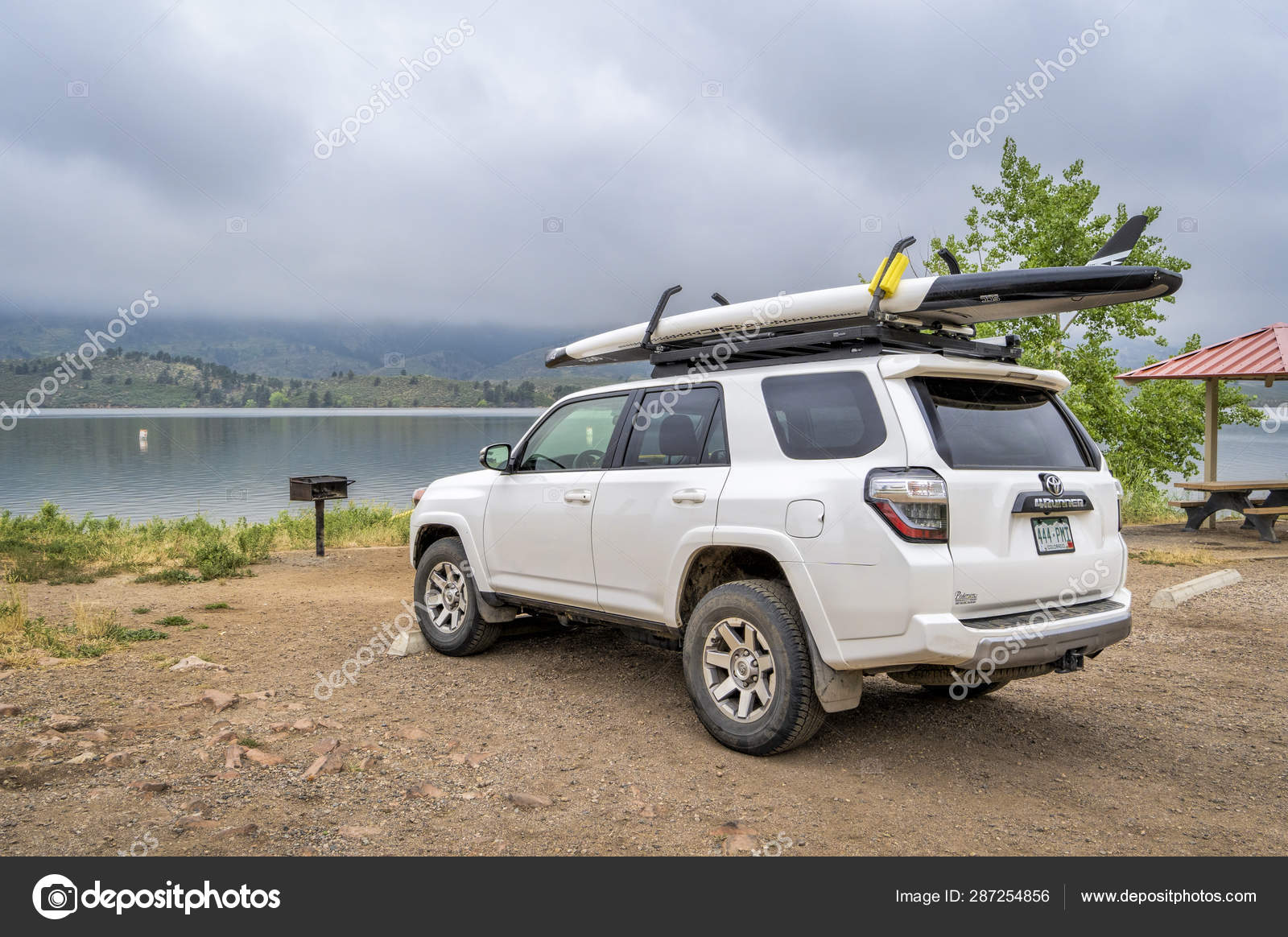 Paddle Board Car Racks >> Toyota 4runner With Stand Up Paddleboard Stock Editorial