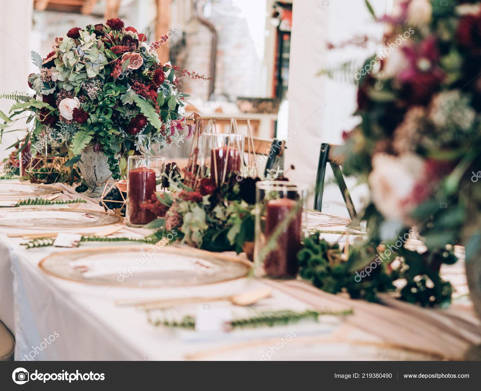 Perfekte Hochzeitsdekoration Tisch Blumenschmuck Fur Hochzeit