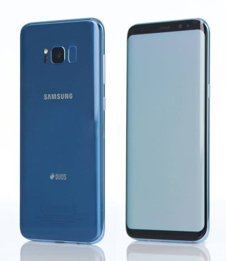 Side view of Smasung galaxy s8 plus