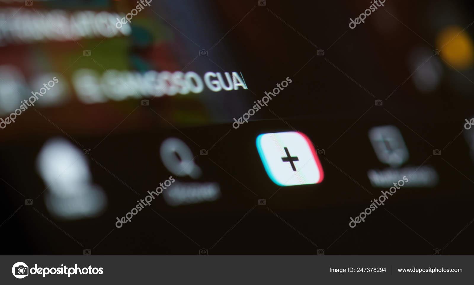 Dark menu in tiktok app – Stock Editorial Photo © dimarik