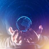 Fotografia Concetto globale di business e comunicazione, mondo connesso nelle mani della persona di affari, illustrazione astratta mista