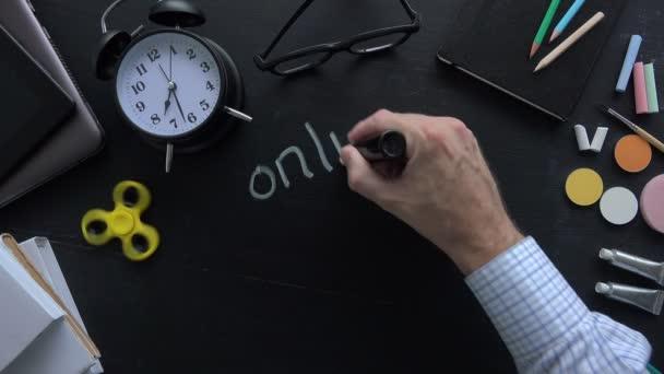 Učitel psaní Online vzdělávání na školní tabule