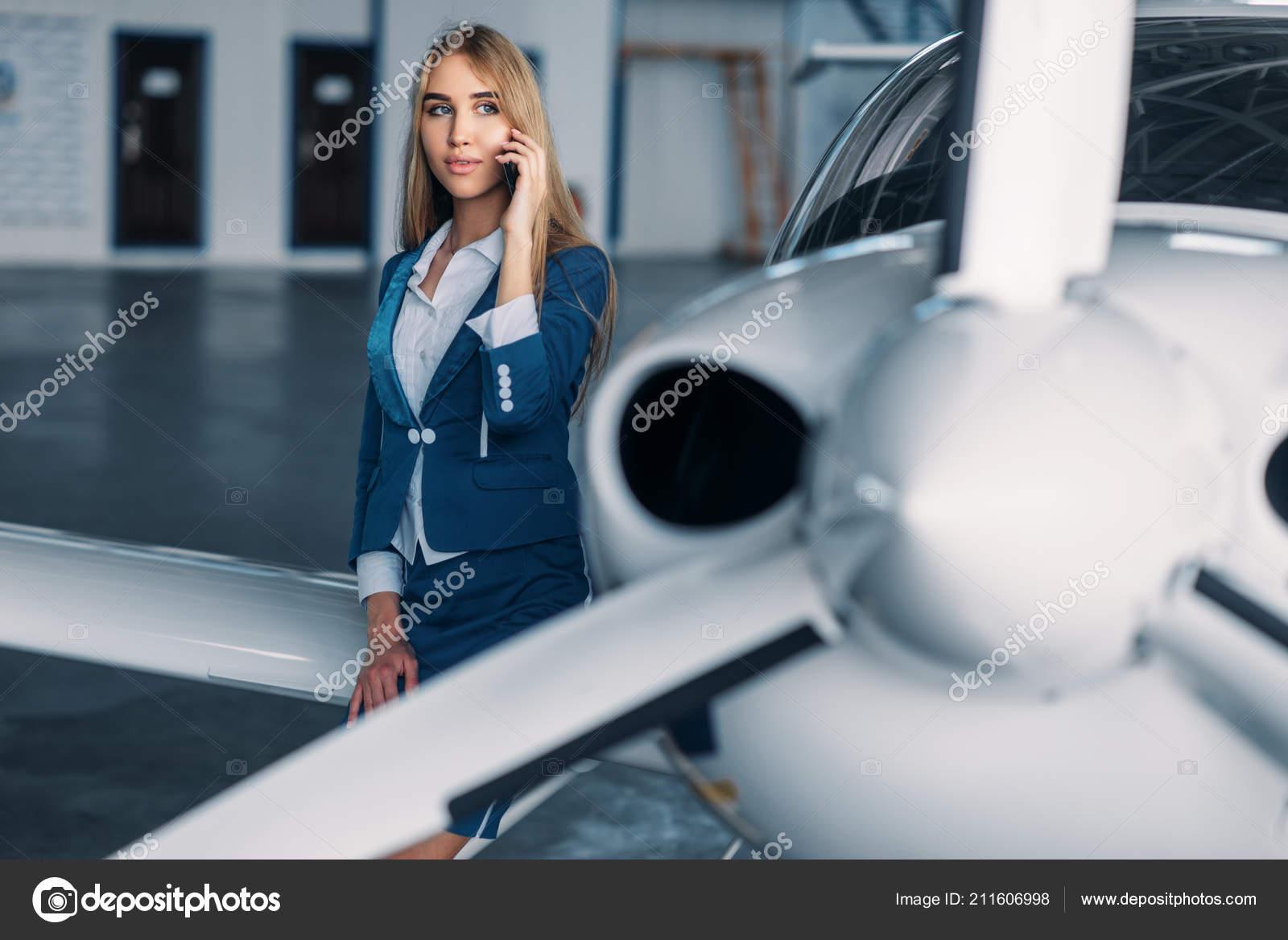 anzug im flugzeug