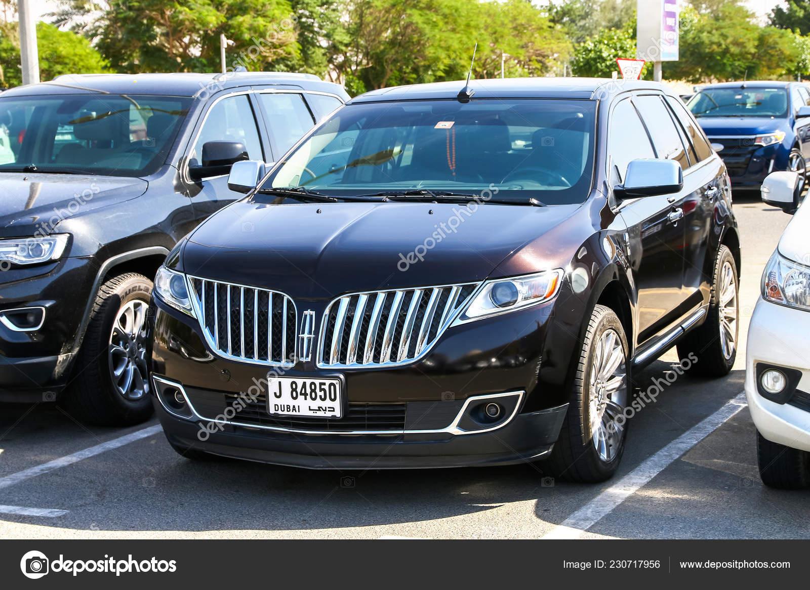 Dubai Uae November 2018 Motor Car Lincoln Mkx City Street Stock
