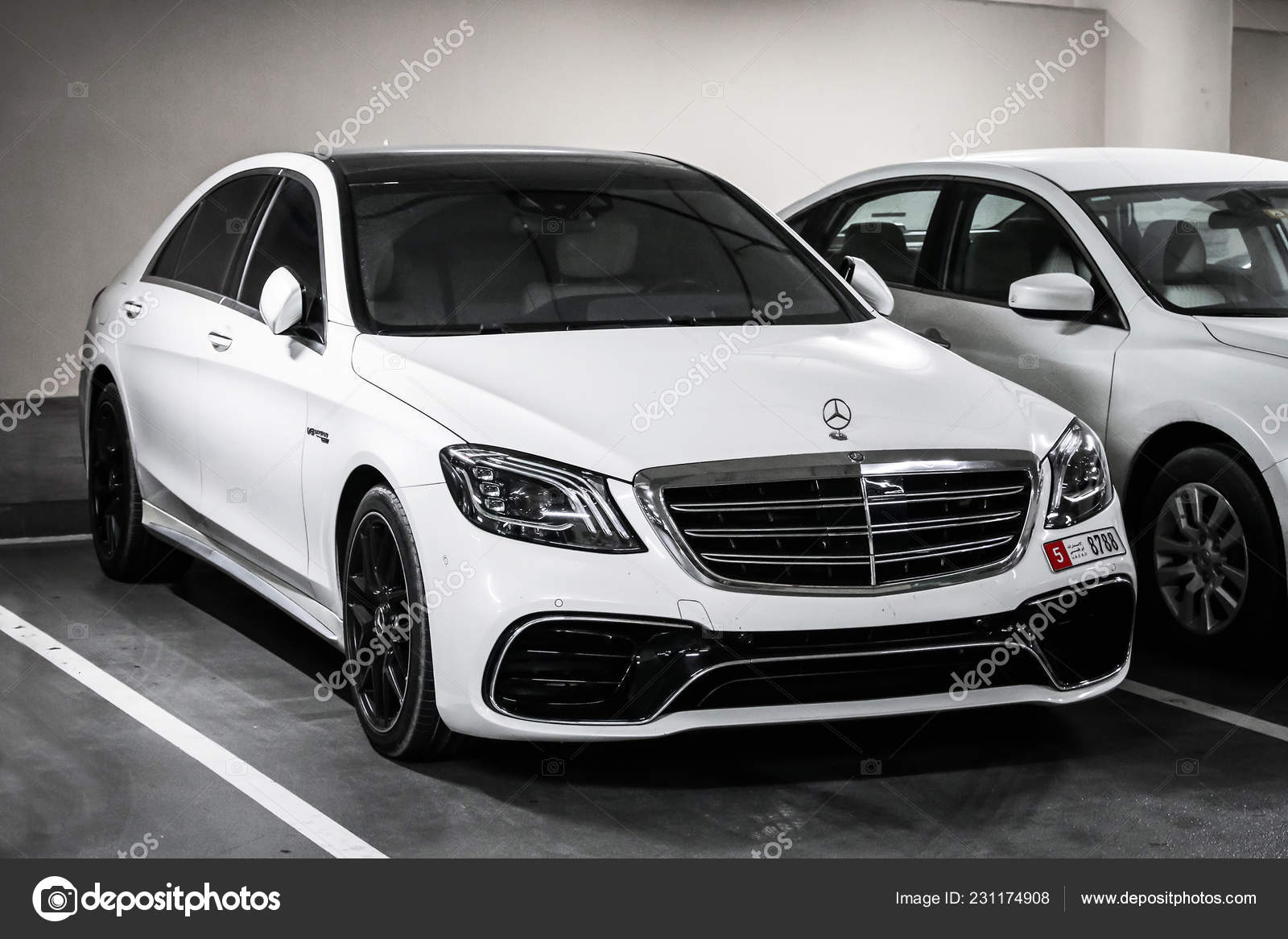 Dubai Uae November 2018 Luxury Motor Car Mercedes Benz W222 Stock Editorial Photo C Artzzz 231174908