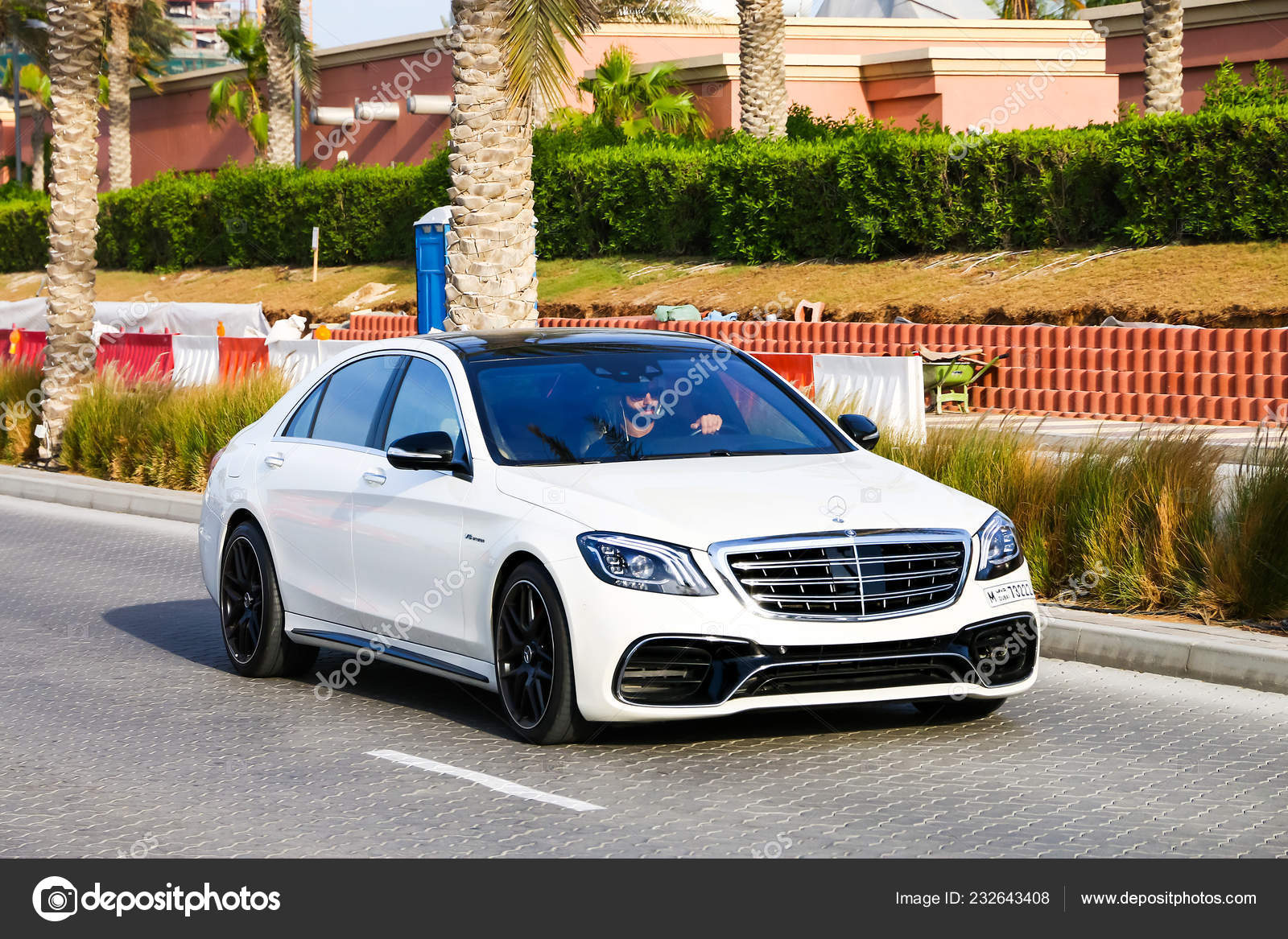 Dubai Uae November 2018 Luxury Car Mercedes Benz W222 S63 Stock Editorial Photo C Artzzz 232643408