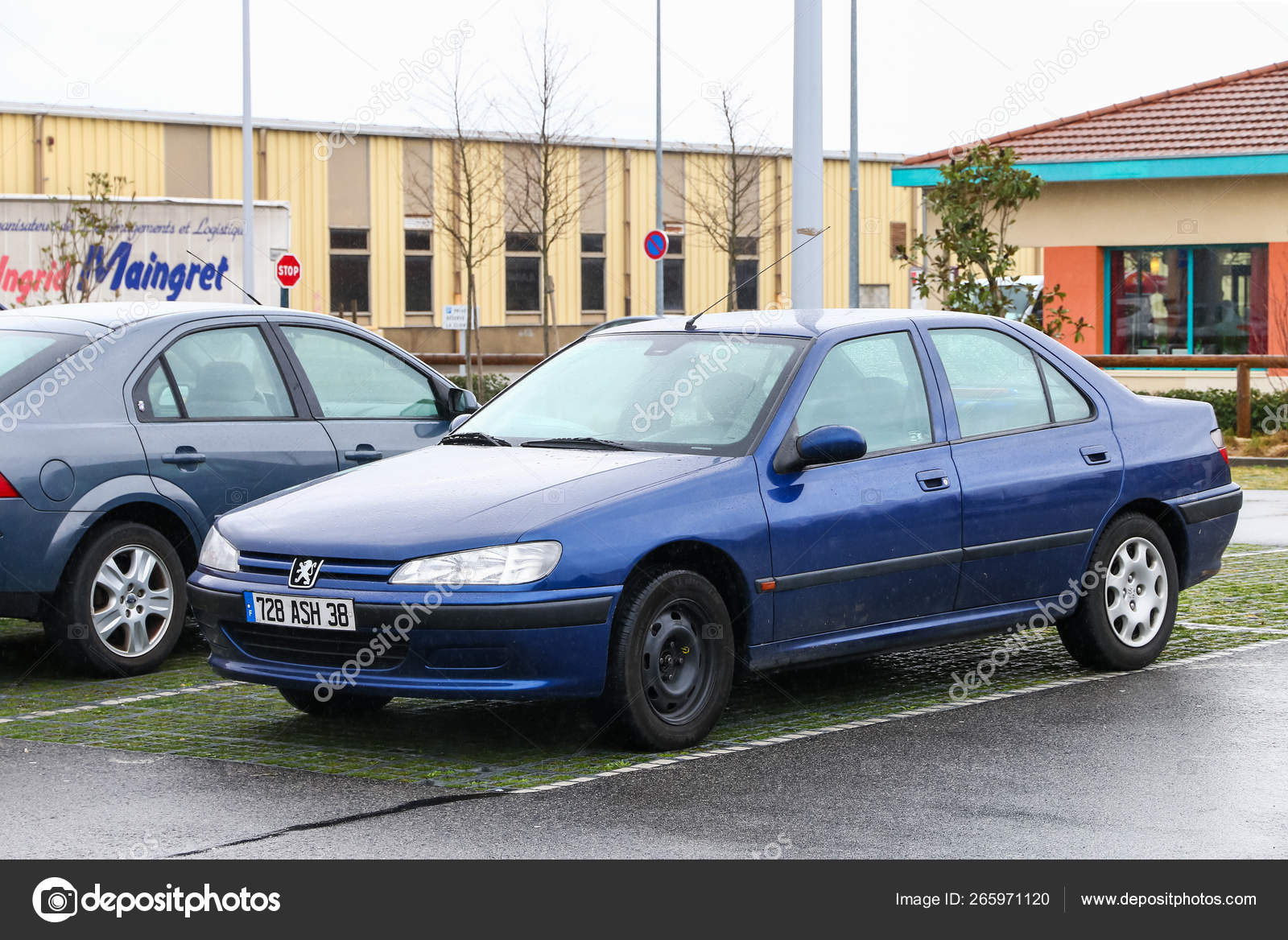 Peugeot 406 Fotografia De Stock Editorial C Artzzz 265971120