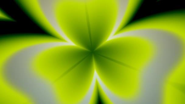 Three Leaf Leafed Clover Spinning