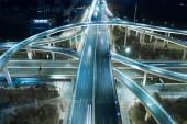Autópálya közlekedési rendszer autópálya csomópont mopac vezető út és autópálya 183-Austin, Texas Usa nyáron zöld út módon, államközi