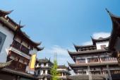 Fotografie shanghai yu garden against a blue sky, China