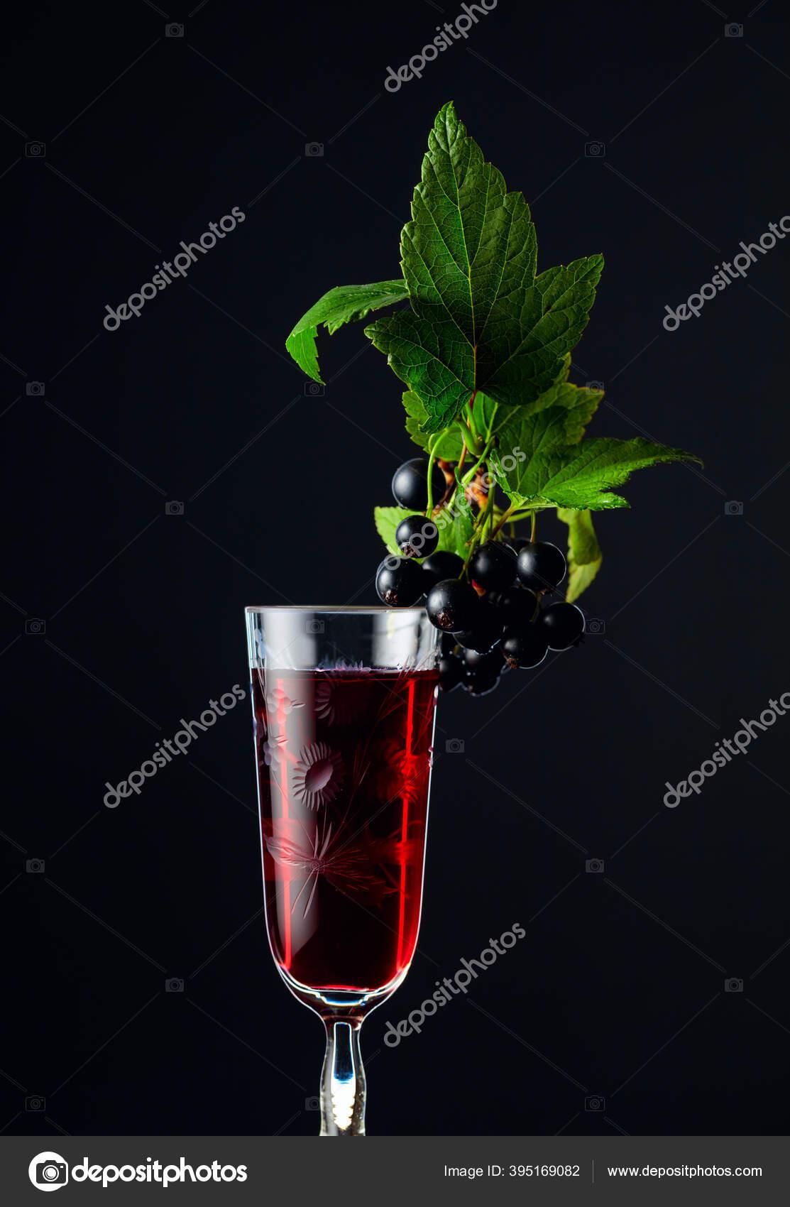 st4.depositphotos.com/1007248/39516/i/1600/depositphotos_395169082-stock-photo-glass-blackcurrant-liqueur-syrup-sweet.jpg