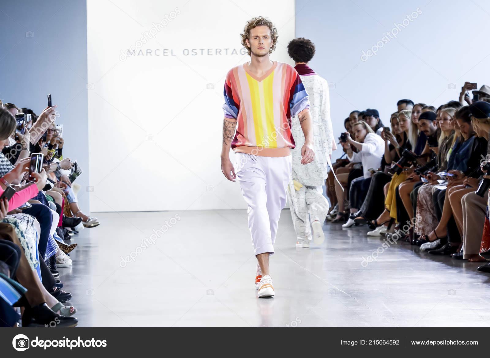 8f0156b965b3 New York Usa September 2018 Barron Hilton Walks Runway Present ...
