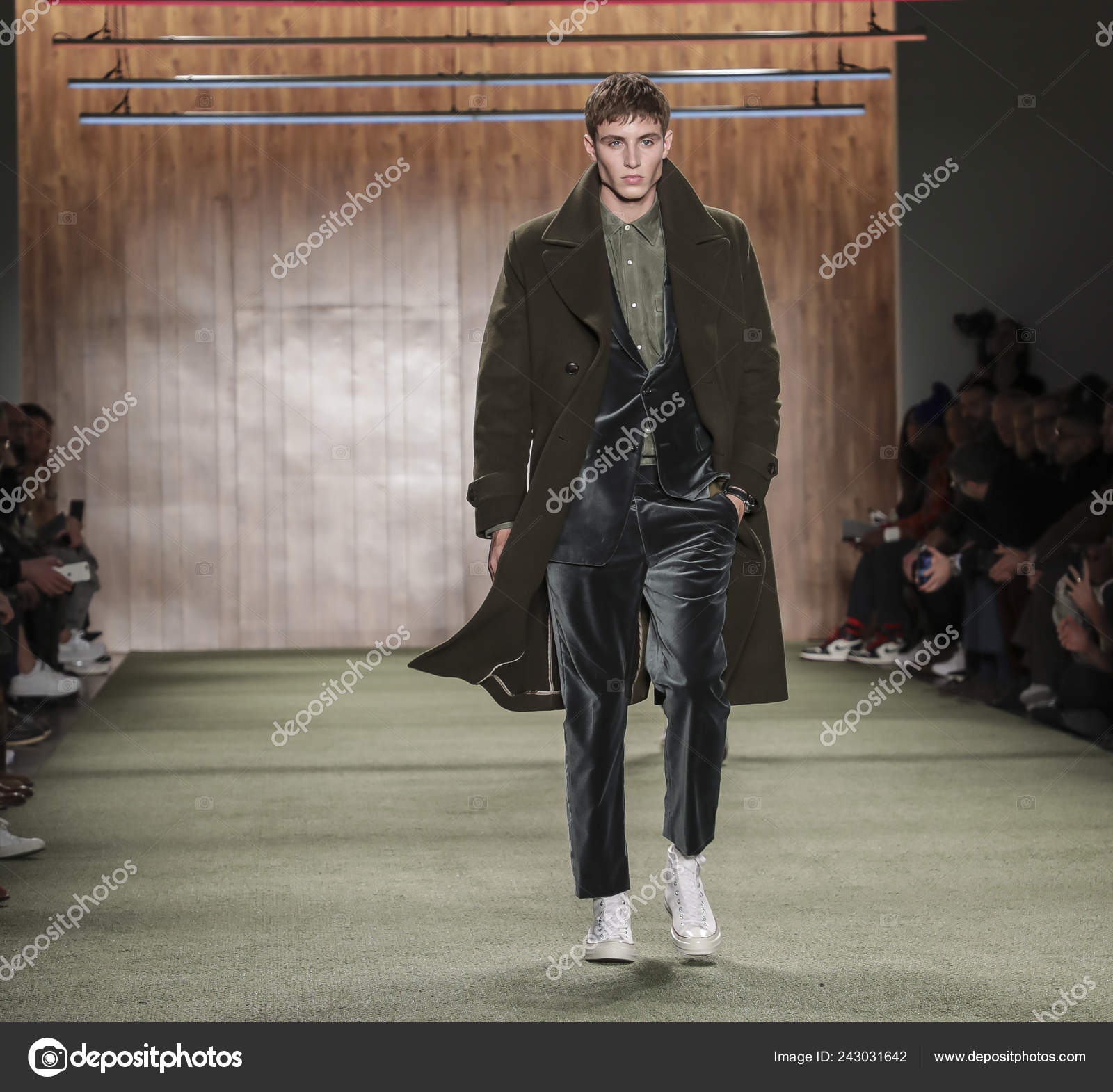 New York Usa February 2019 Model Walks Runway Todd Snyder