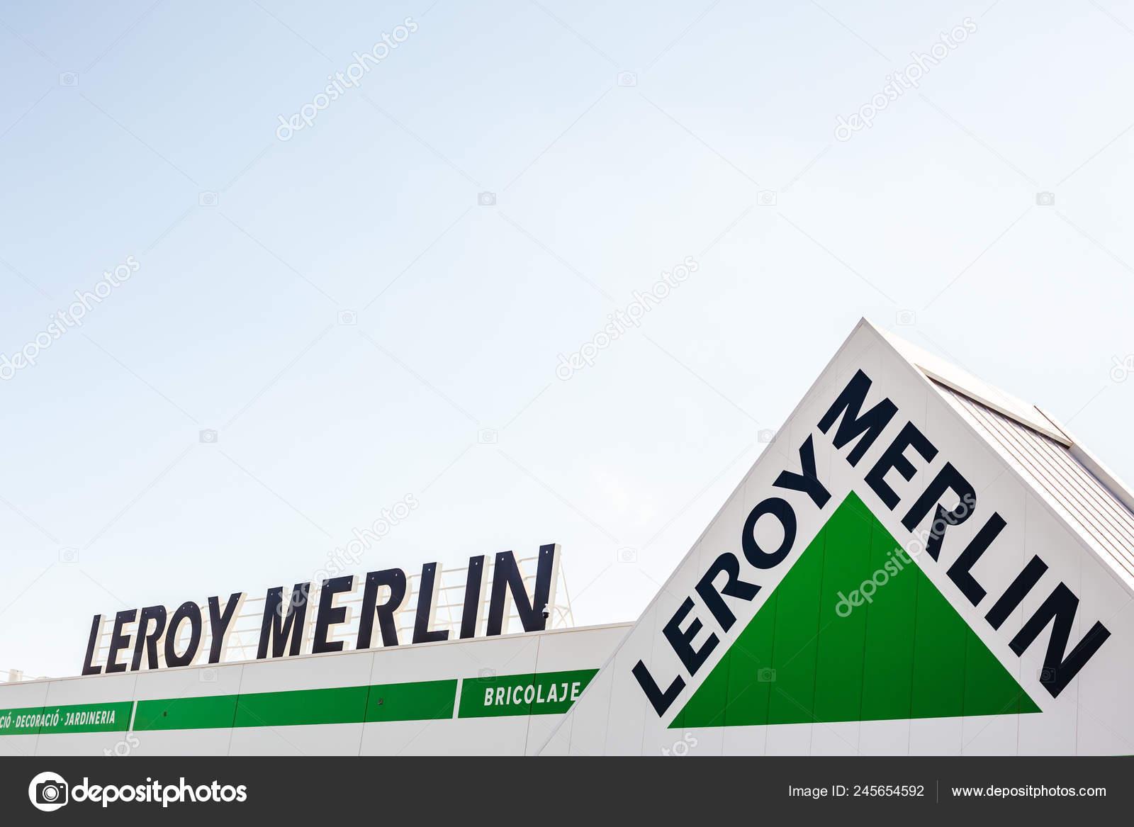 сагунто іспанія лют 2019 Leroy Merlin Store ланцюг логотип