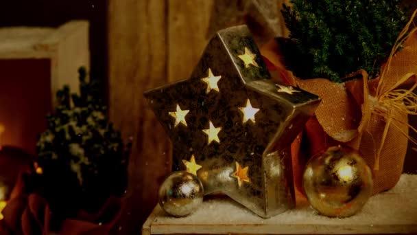 Filmaufnahmen von Weihnachtsdekoration für die Adventszeit