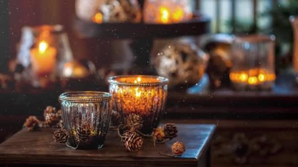 Video von Weihnachtsbeleuchtung Dekoration für die Adventszeit mit Schneefall-Effekt