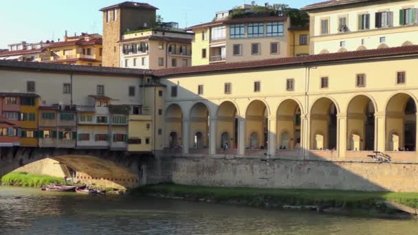 kilátás a ponte vecchio híd virágos, olasz