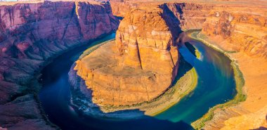 Panoramic view of Horseshoe Bend, Colorado river near Page, Arizona, USA