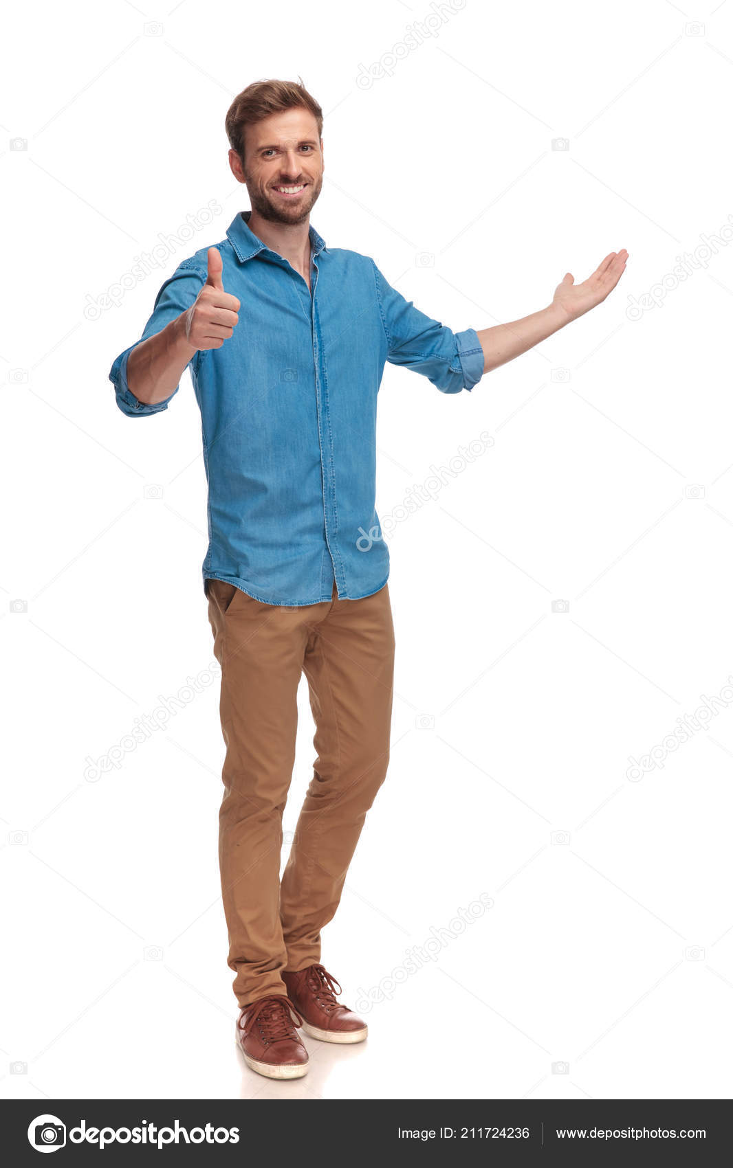 649789539c1 Full Body Picture Casual Man Presenting Making Sign White Background — Stock  Photo