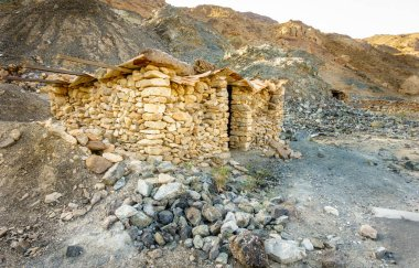 Primitive stone shelter in te mountains of Fujeirah, UAE