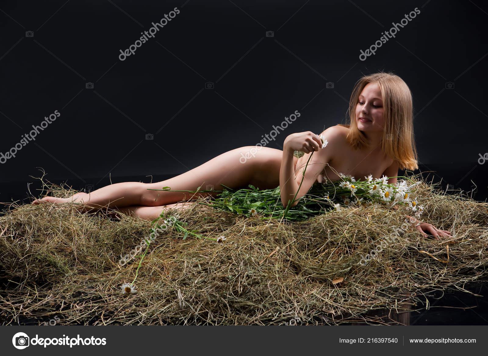 Hot women in the nude