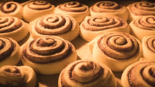 Időeltolásos videó croissant sütés sütőben