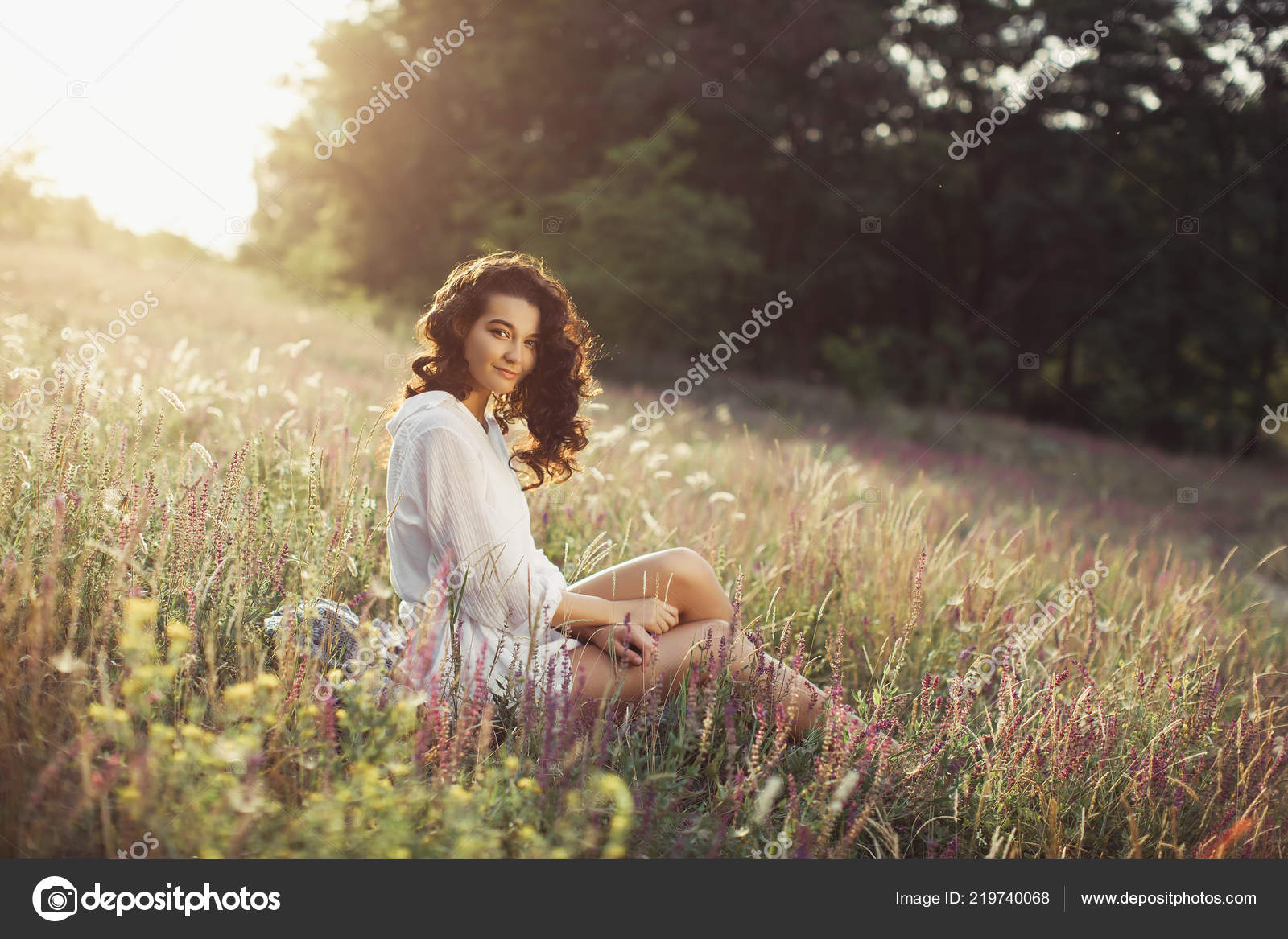 Free Happy Woman Enjoying Nature Beauty Girl Outdoor Freedom Concept Stock Photo C Dimabl 219740068