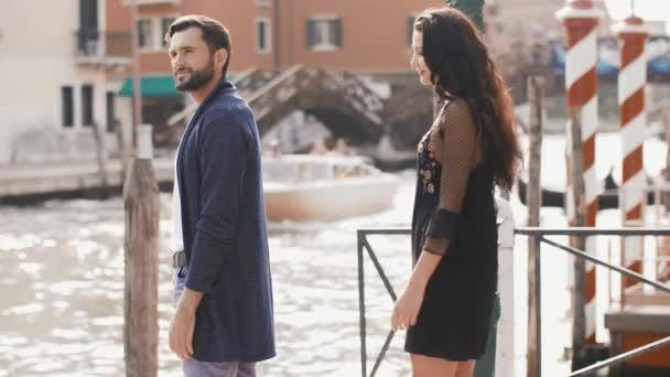 Love - romantikus pár, Velence, Olaszország