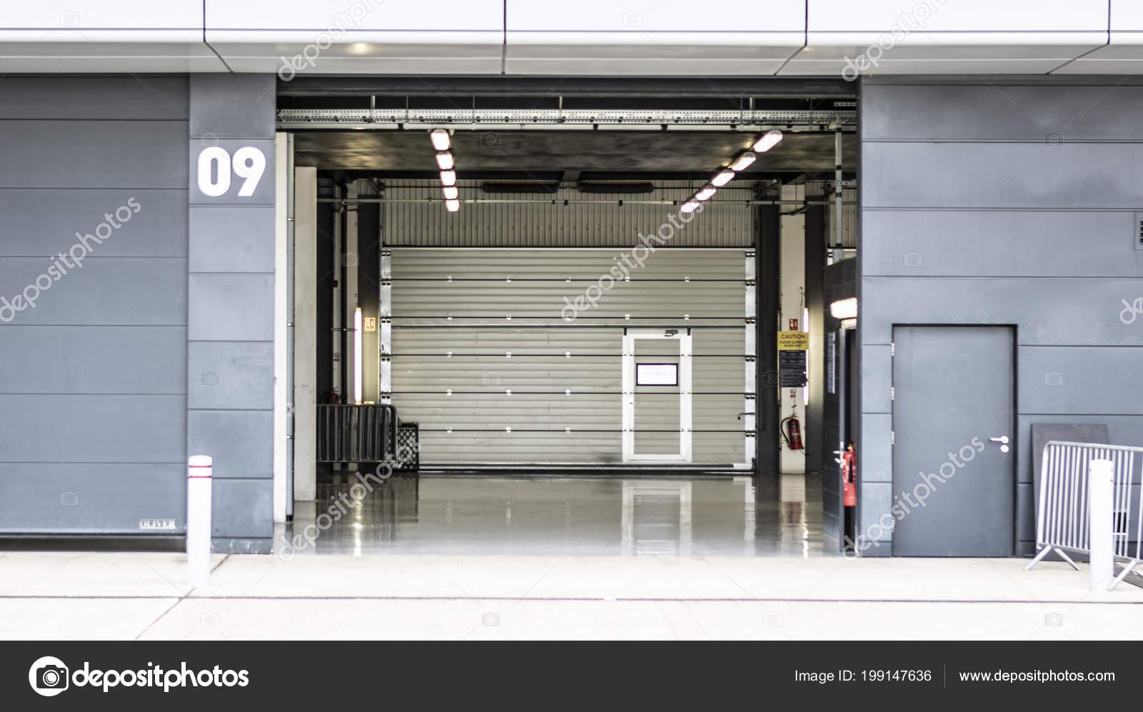 Circuito De Silverstone : Sliverstone junio 2018 garage hoyo vacío circuito silverstone u2014 foto