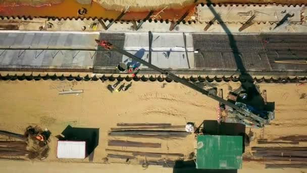 Baggerarbeiten an der Küste zur Stärkung der Ostseeküste