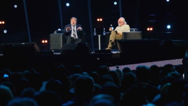 Stephen Wozniak provádí na obchodní konferenci