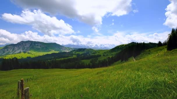 Letní čas horské přírody panoramatické krajiny