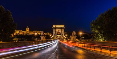 Traffic at the Chain Bridge by Night