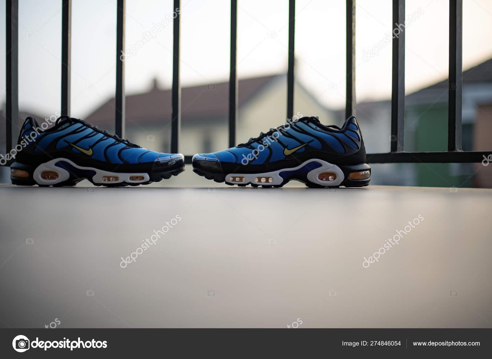best cheap fc2a2 85519 Nike Air Max Plus TN Hyperblue – Stock Editorial Photo ...