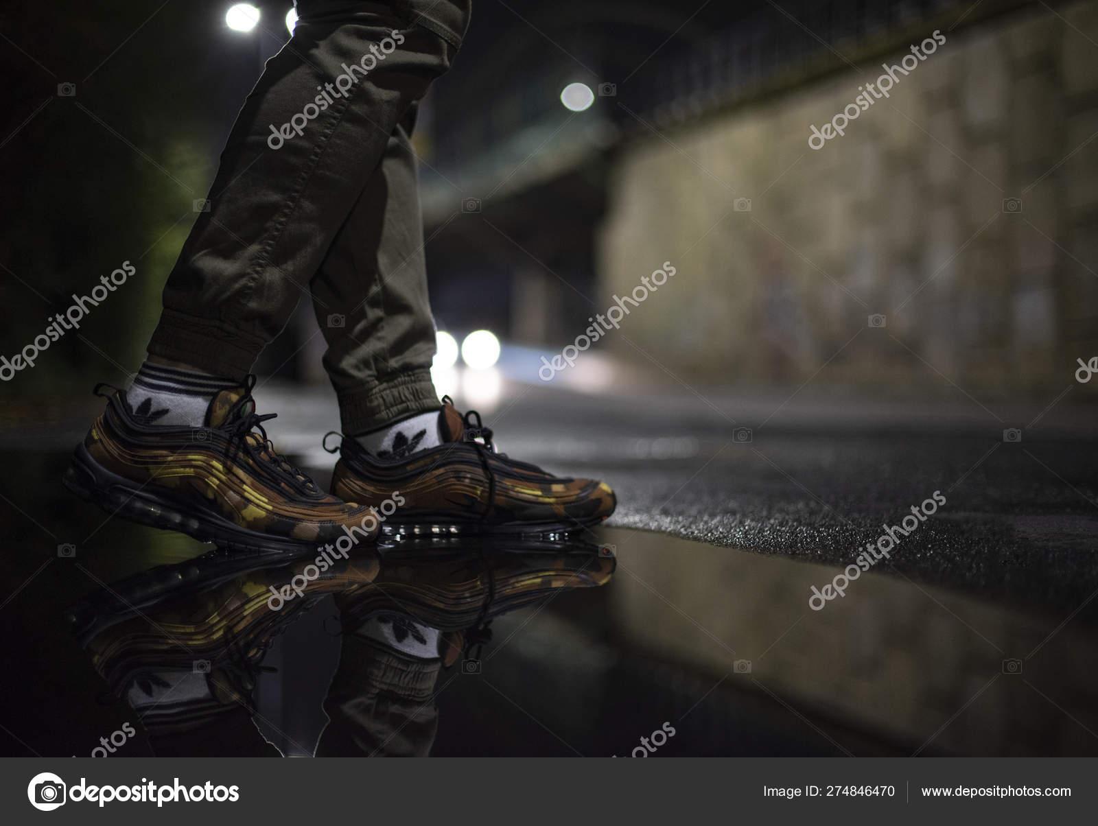 Nike Air Max 97 — Foto editorial de stock © Albo73 #274846470