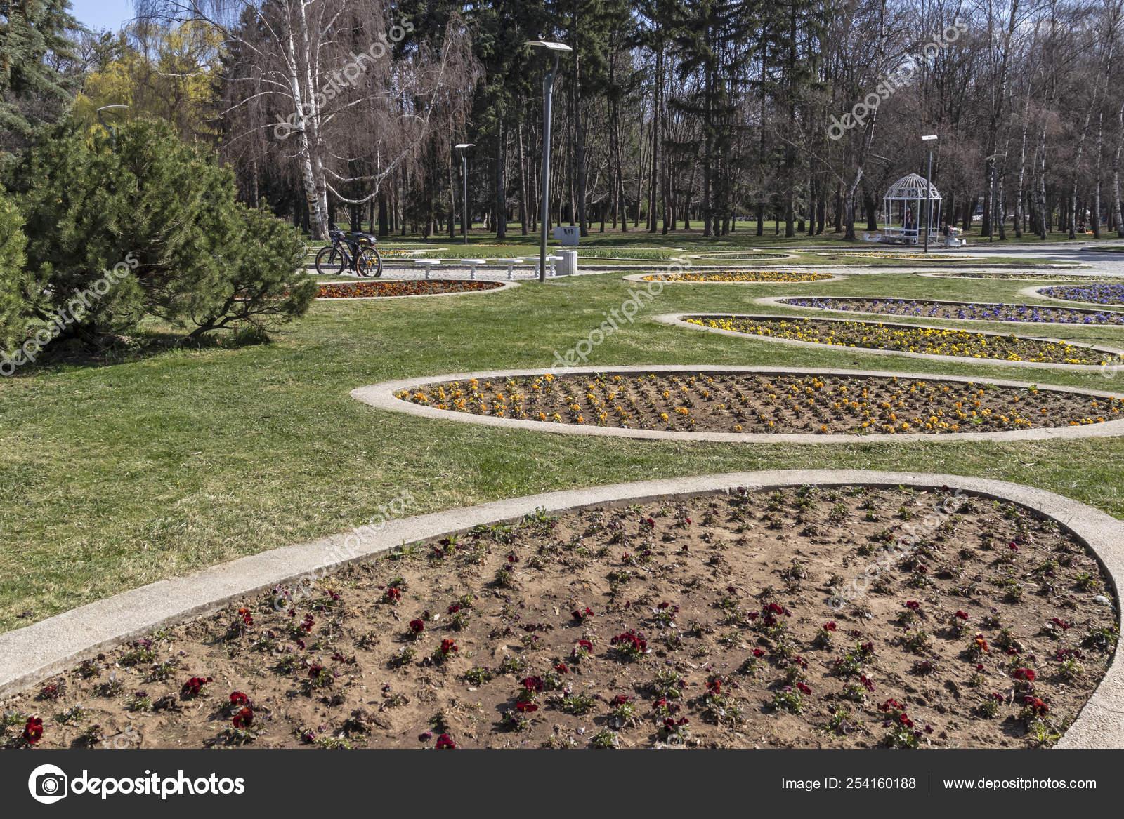 чернеют болгария софия фотографии на память южный парк вечеринке присутствовали гости