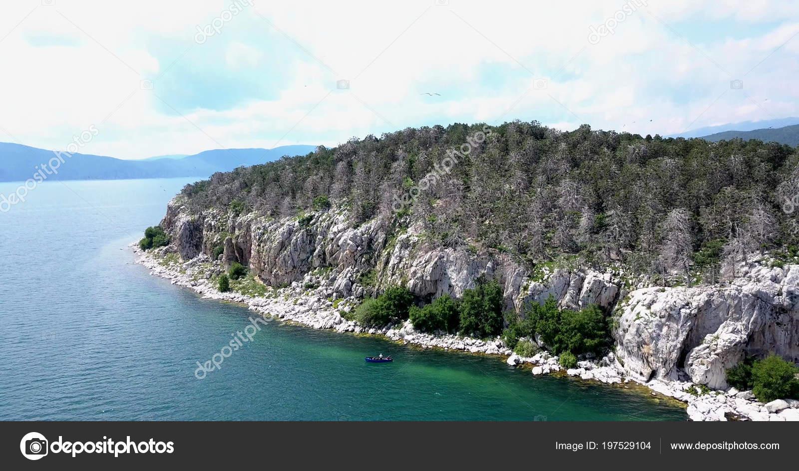 golem island
