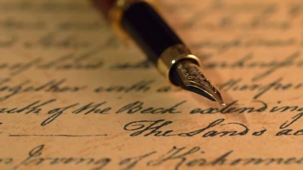 Füllfederhalter auf alten Brief