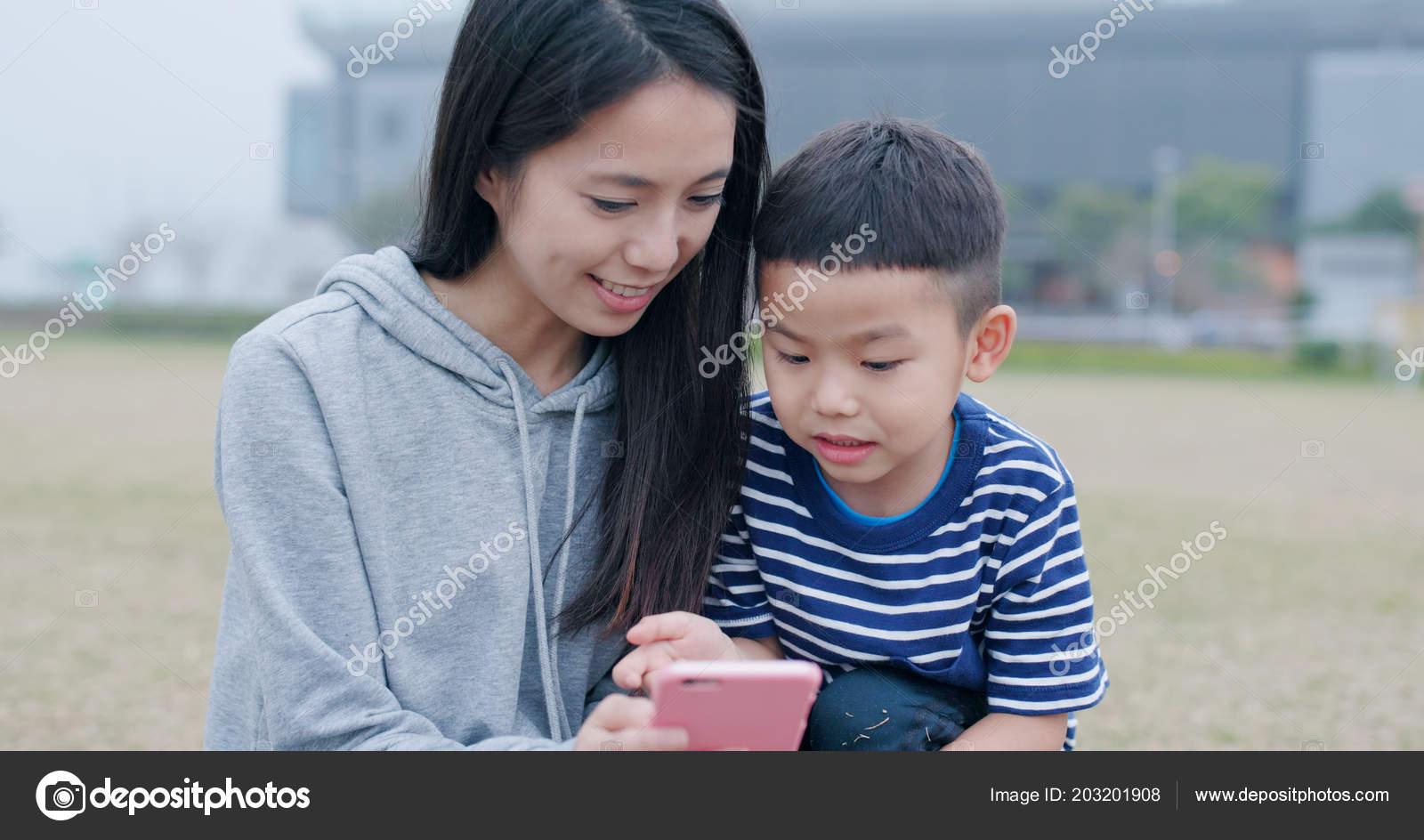 Японская мама учит сына, Японская мама учит - видео likes Hi-Hit 20 фотография
