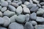 Oblázkové skalní kameny blízko