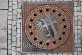 Kanaldeckel Memmingen ist eine Stadt mit vielen historischen Sehenswürdigkeiten in Bayern/Deutschland