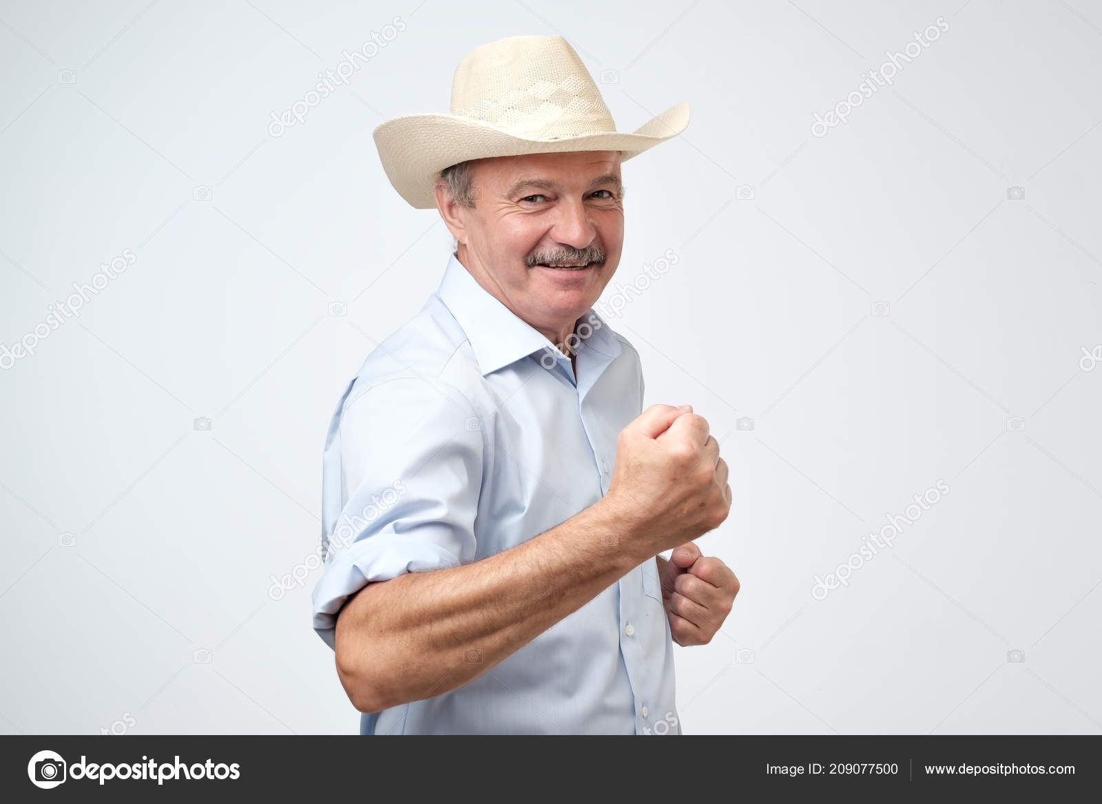 362e36a33cbe5 Portrait Handsome Successful Mature Man Wearing Cowboy Hat Celebrating His  — Stock Photo