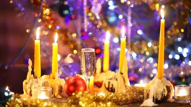 Art kellemes karácsonyi ünnepeket és boldog új évet, pezsgővel és gyertyák