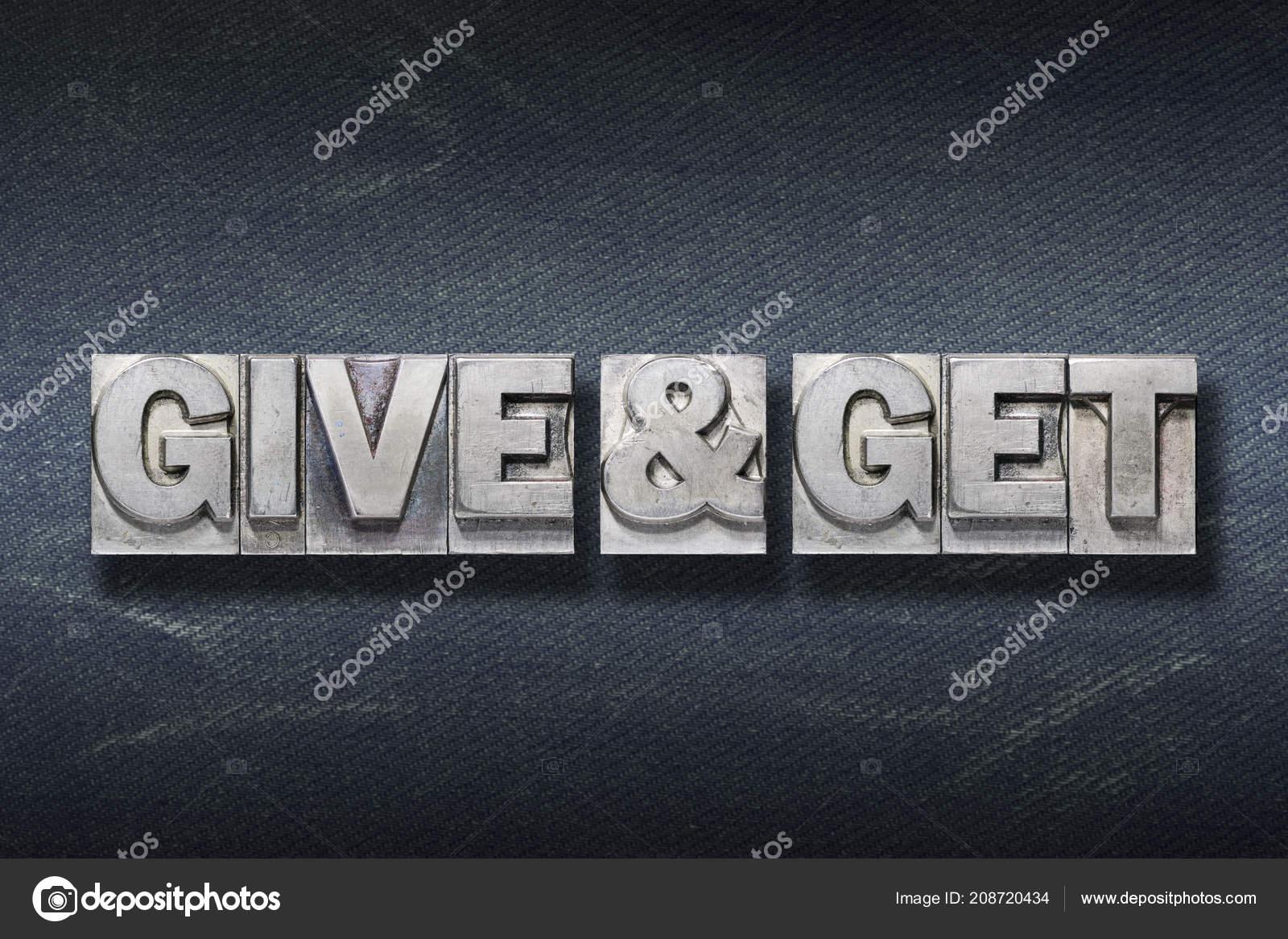 Dar Recibir Frase Tipografía Metálico Sobre Fondo Oscuro