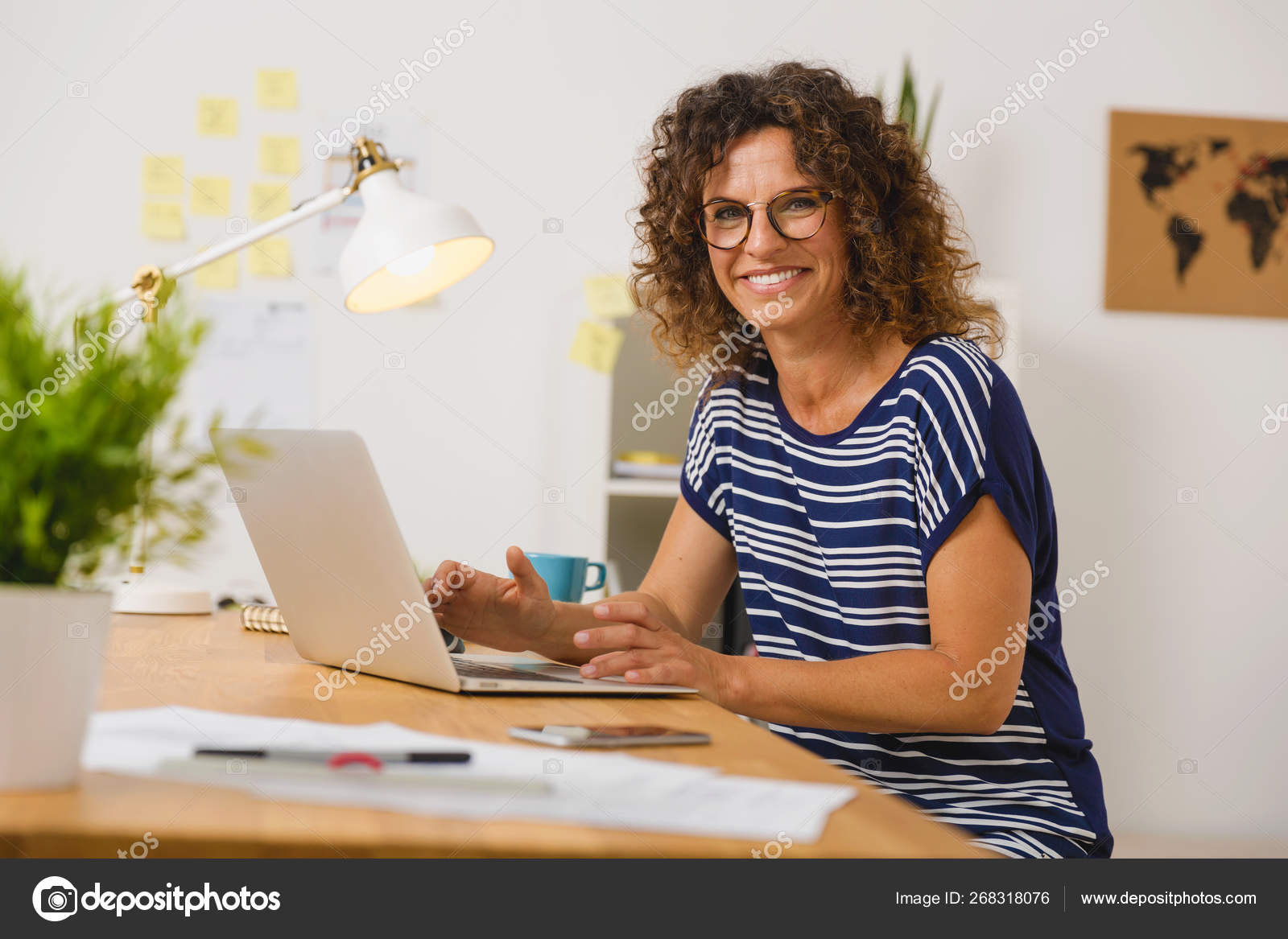 Middle Age Woman Office Working Laptop — Stock Photo © ikostudio #268318076