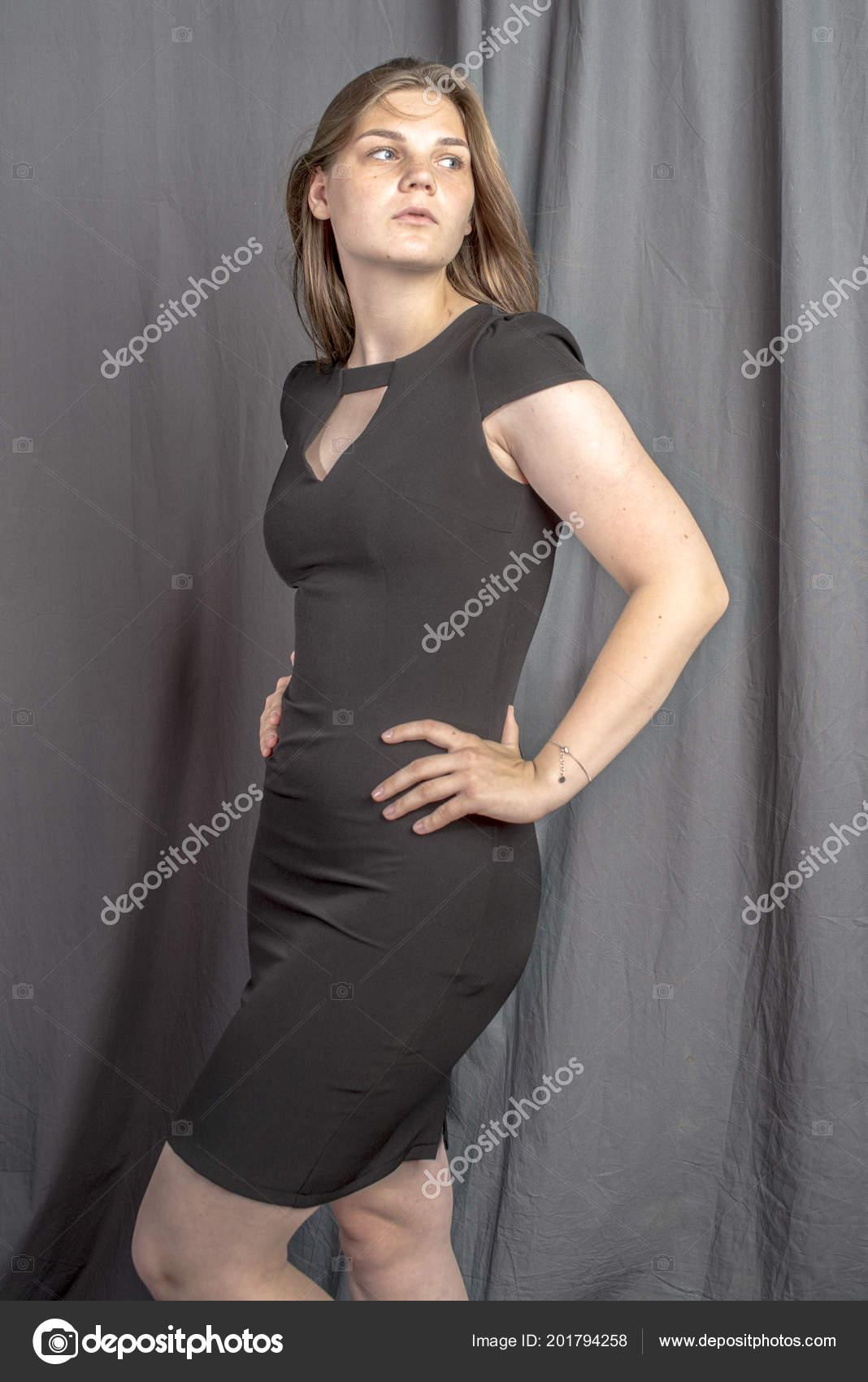 Vestido negro deportivo