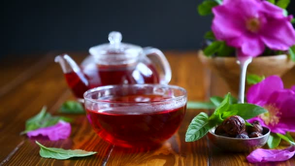 tea made from rose hips with mint